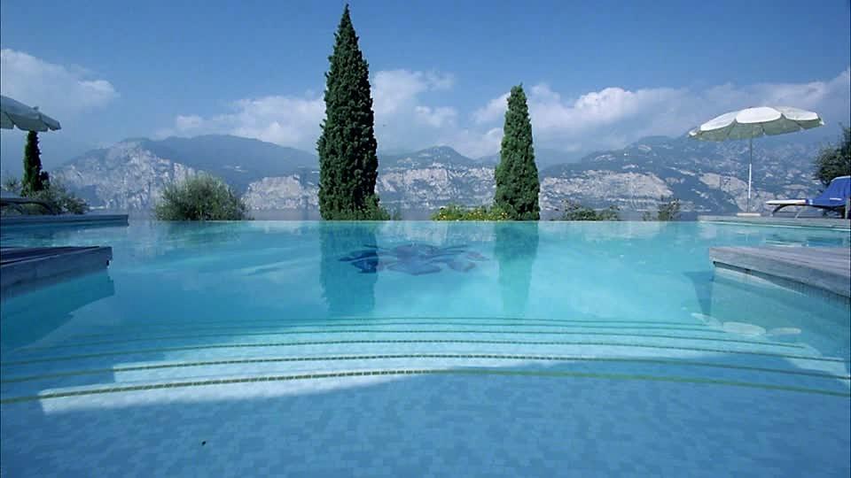 rivestire piscine con il mosaico vetroso atzori mosaici