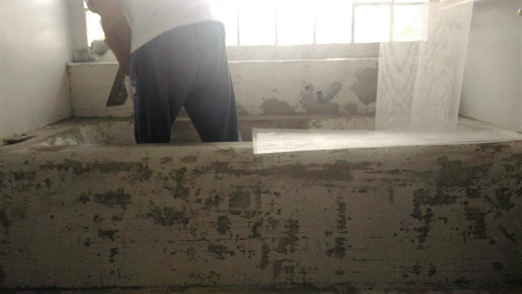 Vasca in muratura rivestita con mosaico bisazza 20 x 20 - Vasca doccia in muratura ...