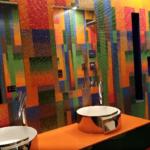 Bisazza è un marchio italiano di design e produttore di mosaico di vetro per la decorazione di interni ed esterni di lusso.