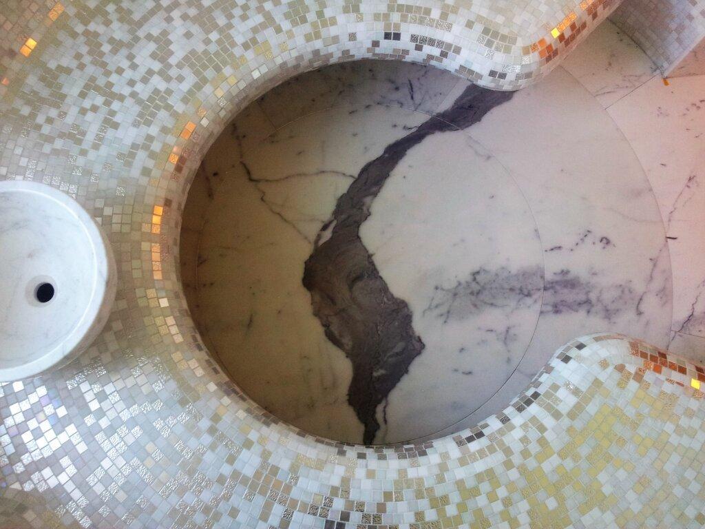 Bisazza mosaico sfumature in oro