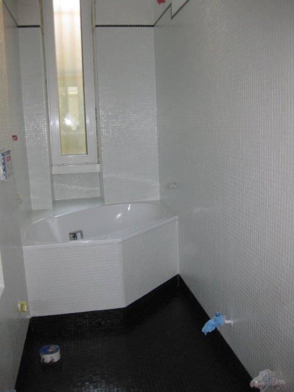 Bagno in mosaico bianco e nero