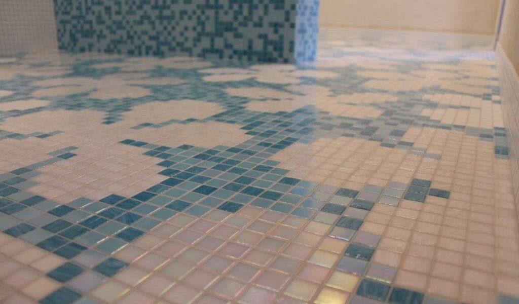 Mosaico Bisazza a fiori tessere 20x20 mm
